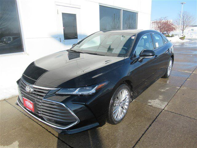 2019 Toyota Avalon Limited Moline IL