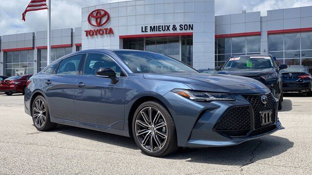 2019 Toyota Avalon Touring Green Bay WI