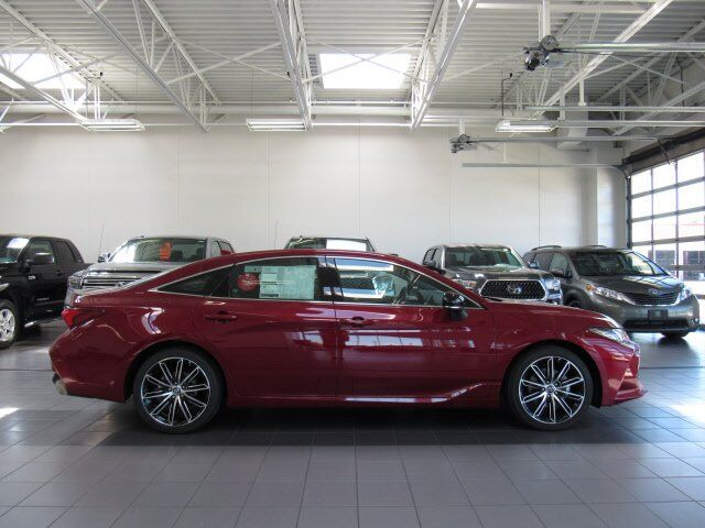 2019 Toyota Avalon XSE Green Bay WI