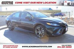 2019_Toyota_Camry_Hybrid SE_ St. Louis MO