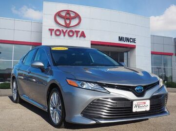 2019_Toyota_Camry Hybrid_XLE_ Richmond KY