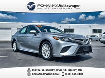 2019 Toyota Camry SE ** CLEAN CARFAX **