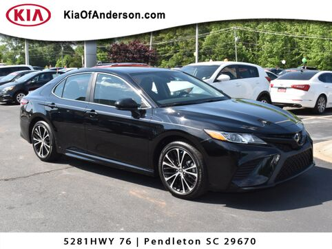 2019_Toyota_Camry_SE_ Greenville SC