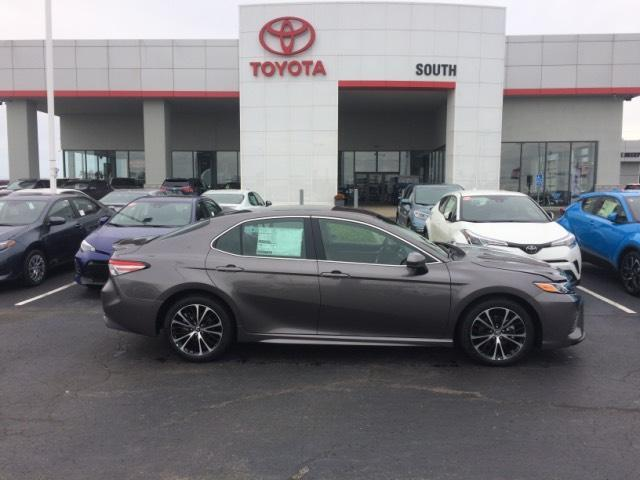 2019 Toyota Camry Se Richmond And Serving Lexington 26784802