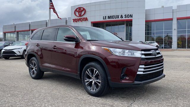 2019 Toyota Highlander LE Green Bay WI