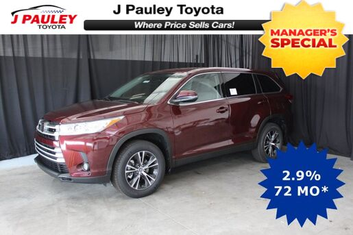 2019_Toyota_Highlander_LE Plus_ Fort Smith AR