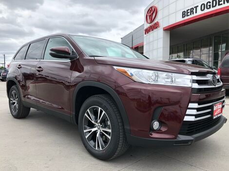 2019_Toyota_Highlander_LE Plus_ Harlingen TX