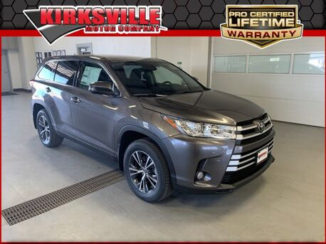 2019_Toyota_Highlander_LE Plus V6 AWD_ Kirksville MO
