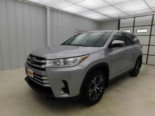 2019 Toyota Highlander LE V6 AWD Manhattan KS