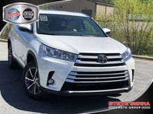 2019_Toyota_Highlander_LE V6 FWD_ Decatur AL