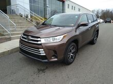 2019_Toyota_Highlander_LE_ Washington PA