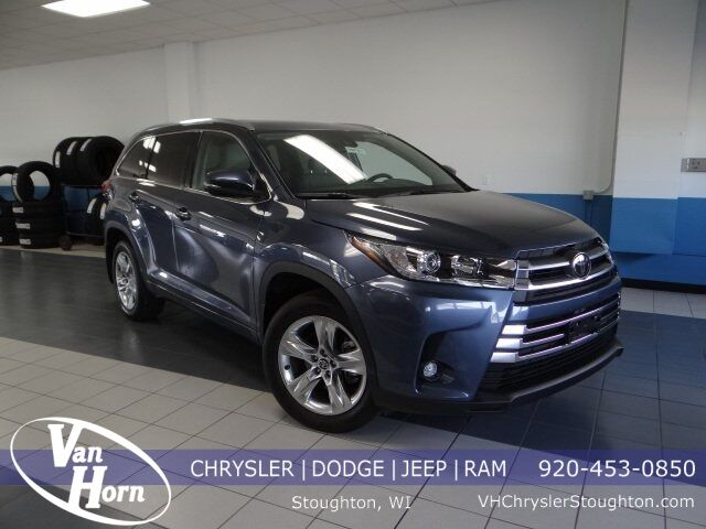 2019 Toyota Highlander Limited Plymouth WI