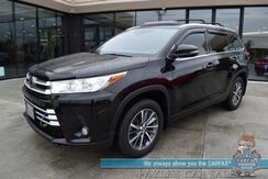 2019_Toyota_Highlander_XLE / AWD / Power & Heated Leather Seats / Sunroof / Adaptive Cruise / Lane Departure & Blind Spot / Rear Captain Chairs / 3rd Row / Seats 7 / Tow Pkg / Block Heater / Only 13k Miles_ Anchorage AK
