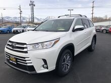 2019_Toyota_Highlander_XLE V6 AWD_ Bishop CA