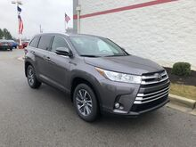 2019_Toyota_Highlander_XLE V6 AWD_ Decatur AL