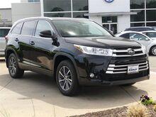 2019_Toyota_Highlander_XLE_ Woodbridge VA