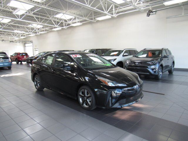 2019 Toyota Prius Limited Green Bay WI