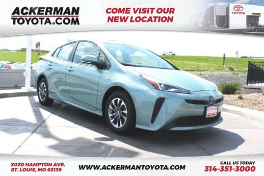 2019 Toyota Prius Limited St. Louis MO