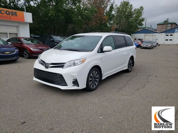 2019_Toyota_Sienna_LE_ Calgary AB