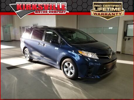2019_Toyota_Sienna_LE FWD 8-Passenger_ Kirksville MO