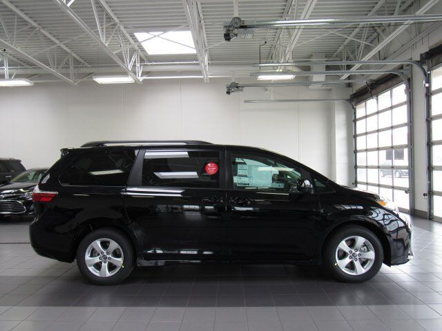 2019 Toyota Sienna LE Green Bay WI
