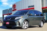 2019 Toyota Sienna LE Video
