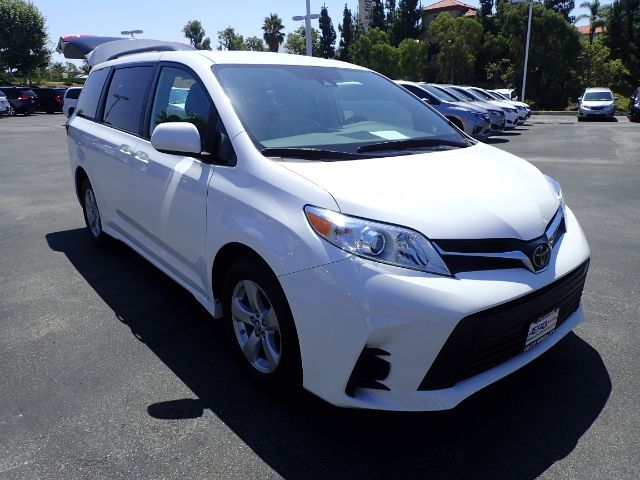 2019 Toyota Sienna LE Mobility Anaheim CA