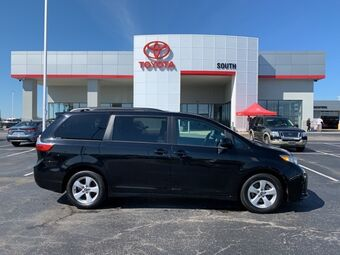 2019_Toyota_Sienna_LE_ Richmond KY