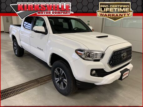 2019_Toyota_Tacoma 4WD_TRD Sport Double Cab 5' Bed V6 AT_ Kirksville MO