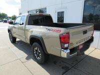 Toyota Tacoma Access Cab TRD Off Road 4X4 2019