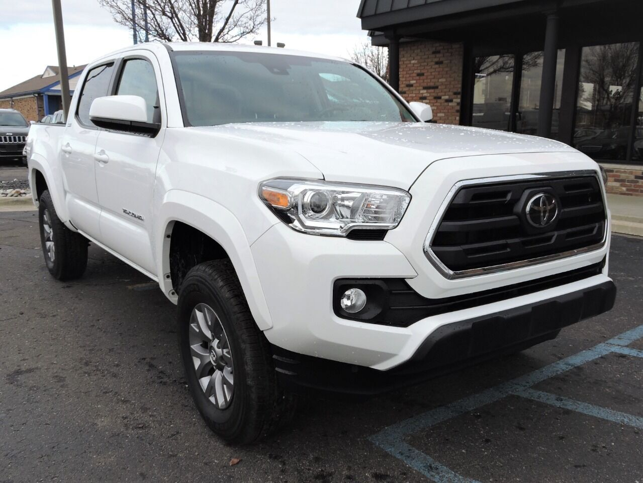 2019 Toyota Tacoma SR5 V6 4x4 4dr Double Cab 5.0 ft SB Chesterfield MI