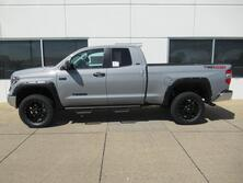 Toyota Tundra DoubleCab SR5 TRD Off Road 5.7L-V8 4X4 Lifted 2019