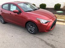 2019 Toyota Yaris Sedan 4DR SEDAN LE 6AT