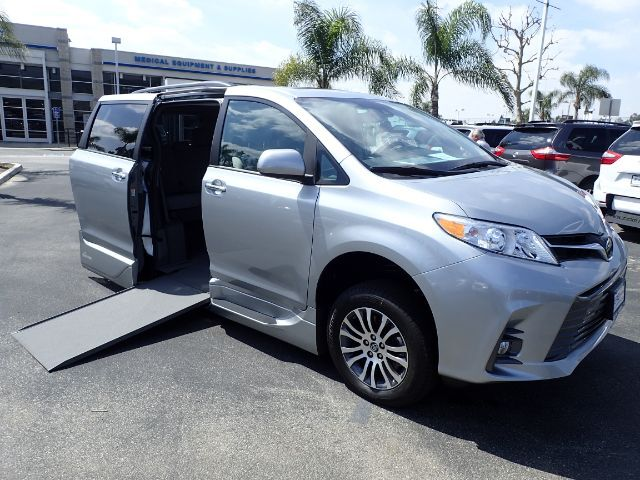 2019 VMI Toyota Sienna Limited Premium w/ Power In-Floor Ramp Anaheim CA