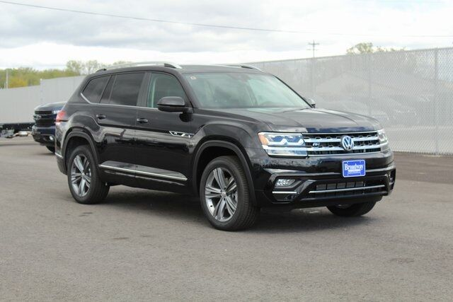 2019 Volkswagen Atlas SE w/Technology R-Line and 4Motion Green Bay WI