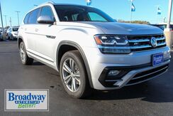 2019_Volkswagen_Atlas_SE w/Technology R-Line and 4Motion_ Green Bay WI