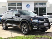 2019_Volkswagen_Atlas_SE w/Technology R-Line and 4Motion_ Northern VA DC