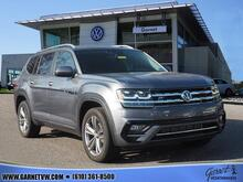 2019_Volkswagen_Atlas_V6 SE 4Motion w/Technology RLIne and MoonRoof_ West Chester PA