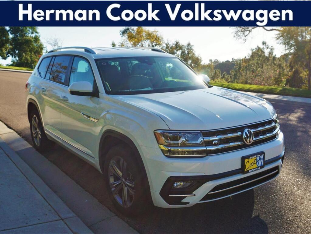 2019_Volkswagen_Atlas_V6 SE with Technology and 4MOTION® R-Line_ Encinitas CA