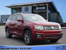 2019_Volkswagen_Atlas_V6 SEL R-Line 4Motion_ West Chester PA