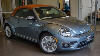 2019_Volkswagen_Beetle Convertible_2.0T Final Edition SEL_ Orland Park IL