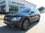 2019 Volkswagen Tiguan SE.  LEATHER SEATS, BLIND SPOT, BACKUP CAMERA, APPLE CAR PLAY/ANDROID AUTO.