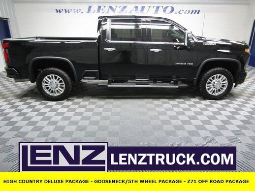 2020_Chevrolet_Silverado 2500HD_4x4 Crew Cab High Country_ Fond du Lac WI