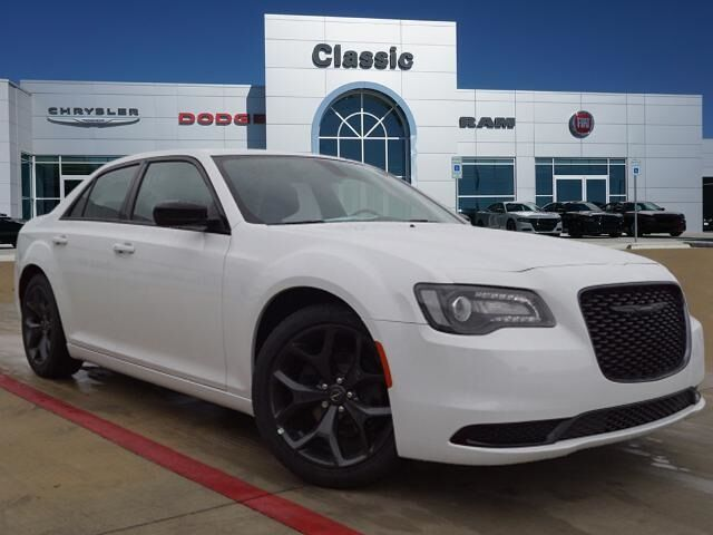 2020 Chrysler 300 TOURING Arlington TX
