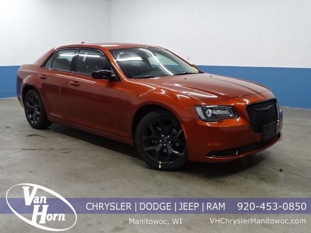 2020 Chrysler 300 TOURING Manitowoc WI