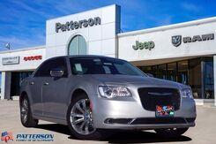 2020_Chrysler_300_Touring_ Wichita Falls TX