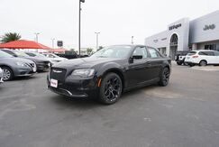 2020_Chrysler_300_Touring_  TX