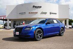2020_Chrysler_300_Touring_  TX