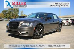 2020_Chrysler_300_Touring_ Martinsburg