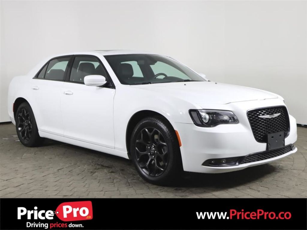 2020 Chrysler 300S AWD w/Pano Roof/Heated Leather Maumee OH